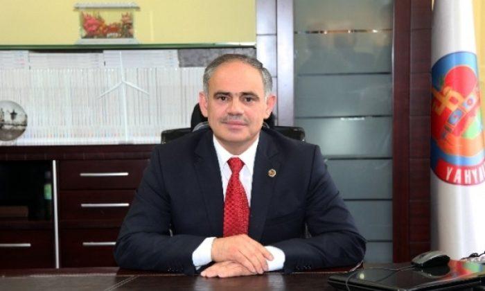 Başkan Esat Öztürk'e bıçaklı saldırı