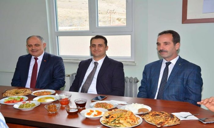 Mehmet Akif Ersoy İlkokulundan Dayanışma Kahvaltısı